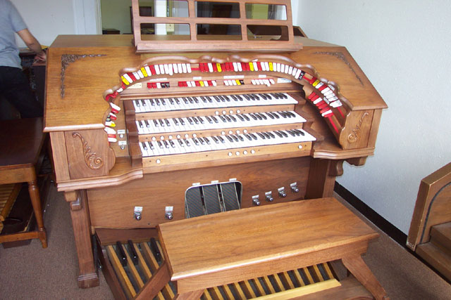 Vintage Hammond Church Organs - Rodgers 340 Theatre Organ