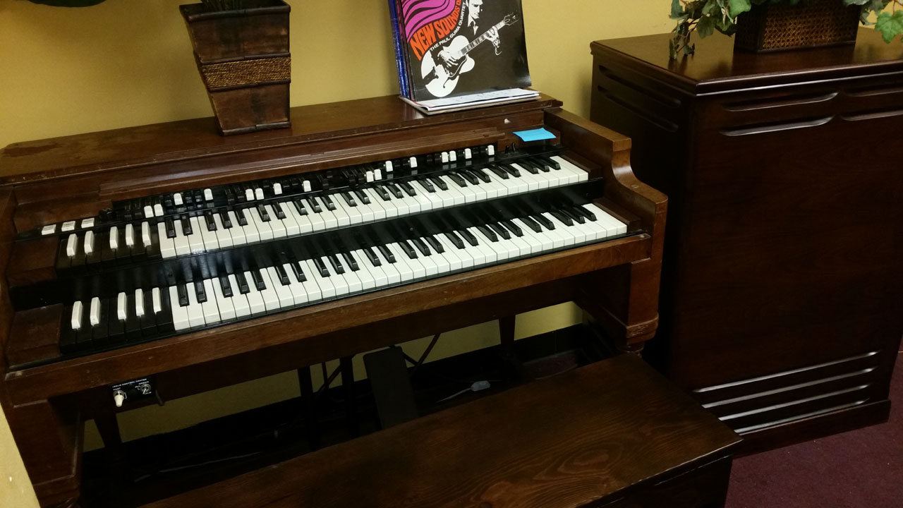vintage hammond church organs hammond b2 w leslie 122. Black Bedroom Furniture Sets. Home Design Ideas